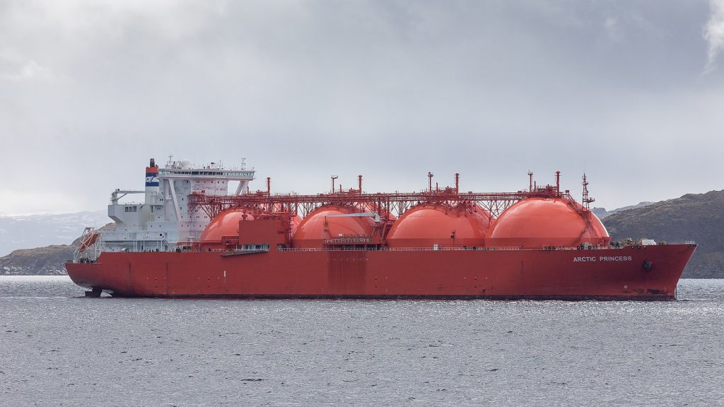vessel carrying liquefied natural gas